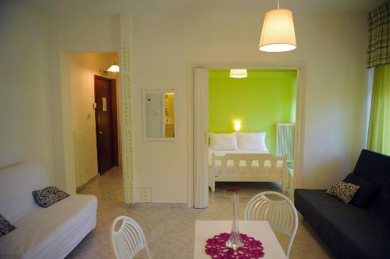 Evangelia Rooms and Apartments