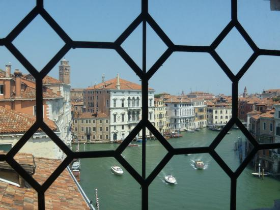Ca' Rezzonico : Window view of the Grand Canal