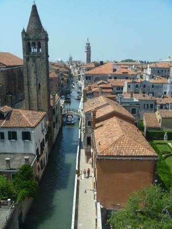 Ca' Rezzonico: Window view of a side canal