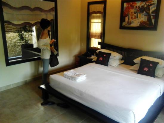 Lotus Village Resort: 臥室