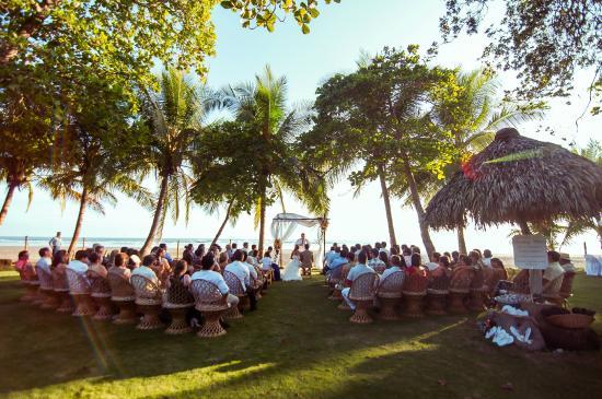 Alma del Pacifico Beach Hotel & Spa: Beach Wedding Reception