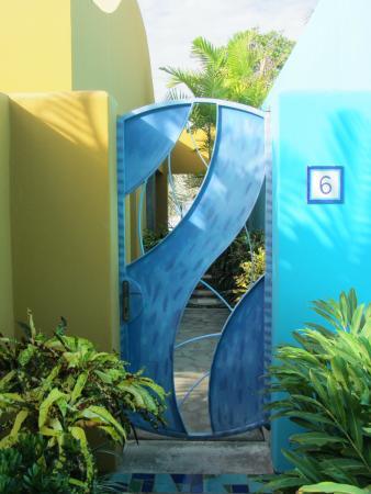 Alma del Pacifico Beach Hotel & Spa: Garden Bungalow Entrance