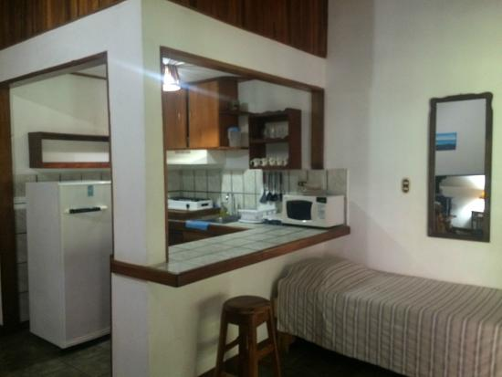 Hotel Rancho Coral: kitchenette in every room