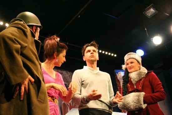 """Théâtre Le Victoire : """"Bouge ton cube"""" avec Larra Mendy, Fred Demours, Loïc Rojouan et Xavier Viton"""
