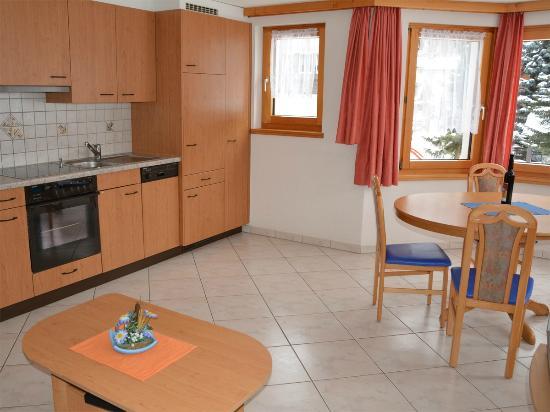 Wohn-Esszimmer Wohnung Erker - Picture of Ferienhaus ...