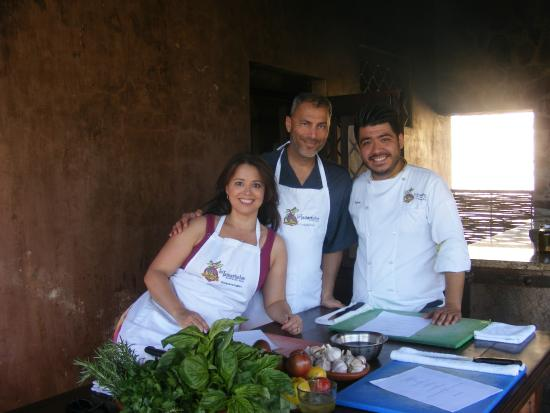 Los Tamarindos : Working with the chef