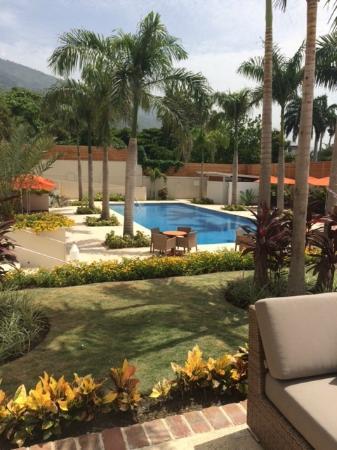 Marriott Port-au-Prince Hotel: Pool side