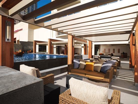 Hokulani Waikiki by Hilton Grand Vacations: Lanai