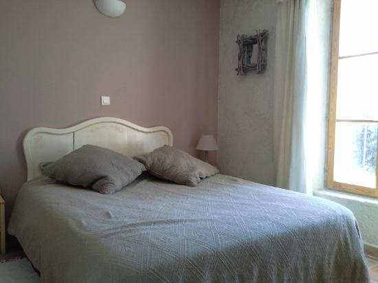 l 39 oustaou des oliviers cucuron france voir les tarifs et avis chambres d 39 h tes tripadvisor. Black Bedroom Furniture Sets. Home Design Ideas