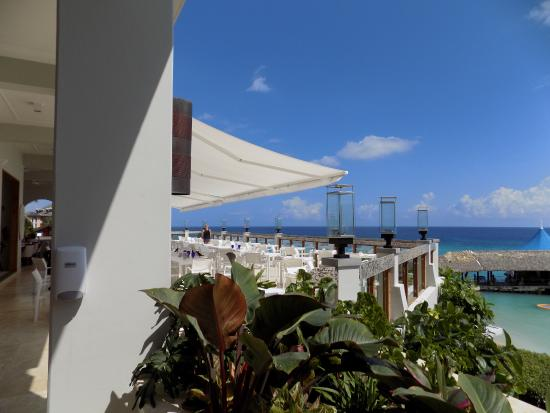 Sandals Ochi Beach Resort: Best view while you eat breakfast, lunch or dinner
