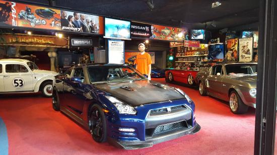 hollywood star cars museum gt r