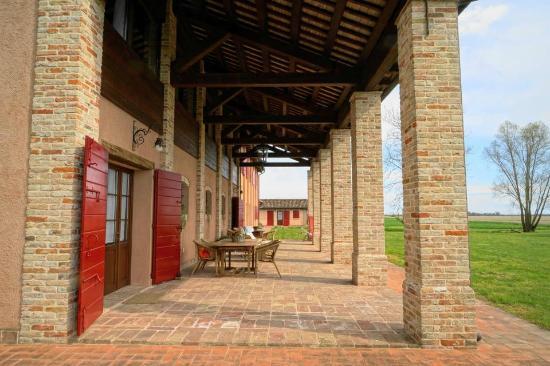 Agriturismo Ca' Lealta: Il porticato di Ca' Laltà