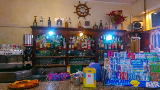 Cavi, إيطاليا: bar le caravelle