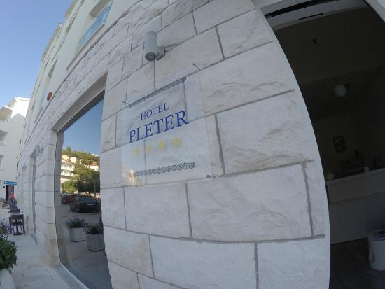 Hotel Pleter: Hotel entrance