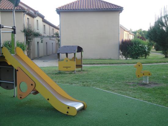 Residence Le Hameau Du Moulin: L'aire de jeux