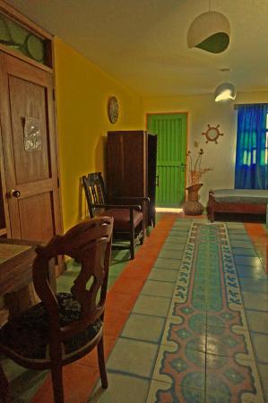 La maison violette bewertungen fotos preisvergleich for Maison violette