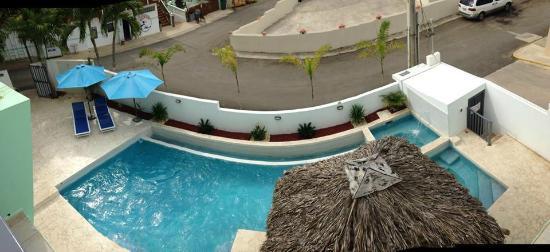 Casa Verde Hotel: Pool from my balcony