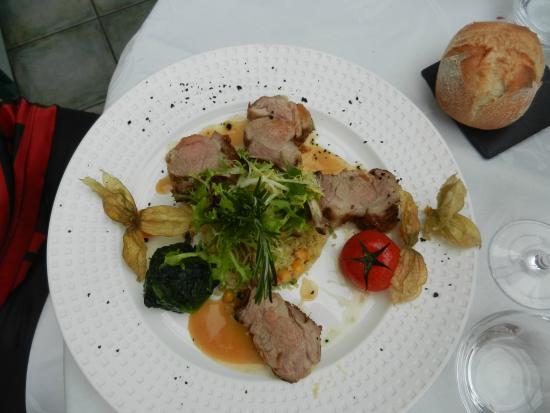 Auberge de l'Olive : Salade de riz de veau panés