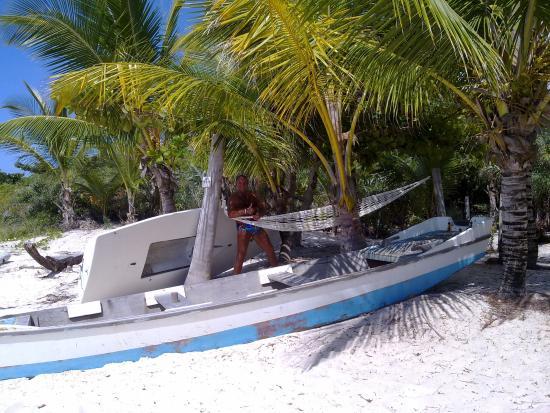 Cabana A Praia Branca: Tranquilidade..ideal p/ famílias e grupos de amigos...mar azul de águas mornas, limpas e mansas