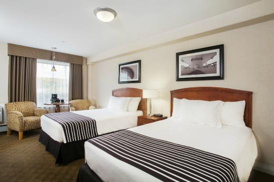 Sandman Hotel & Suites Calgary West: 2 Double Beds
