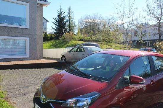 Guesthouse Helga : parking