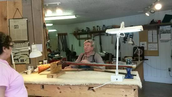 Ozark Folk Center State Park: Rifle making, did not buy any rifles