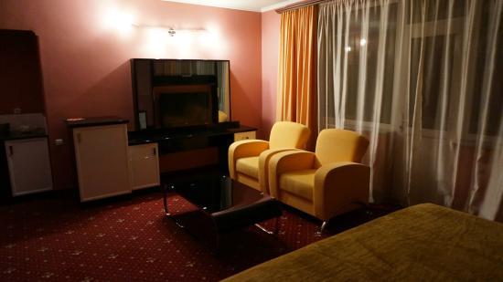 Erebuni Hotel: очень удобные креслица