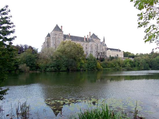 ‪Saint Peter's Abbey of Solesmes‬