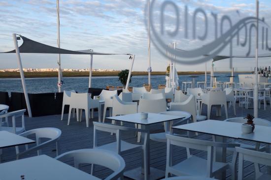 Aqui Ha Praia Restaurant & Bar