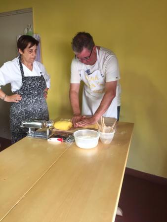 Park Hotel Chianti: Pasta making