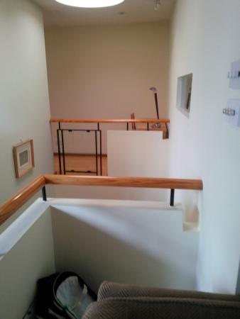 Molesworth Court Suites: desk