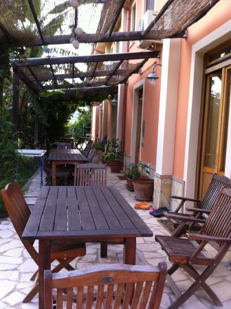 Agriturismo Torre Del Golfo: The apartments with their verandahs and views of the mountains