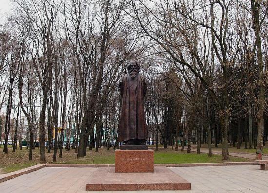 Памятник Рабиндранату Тагору