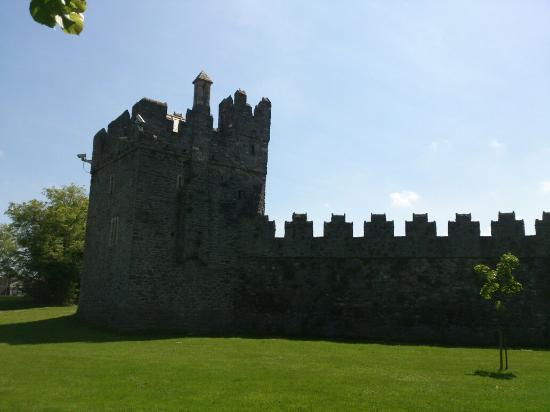 ‪Swords Castle‬