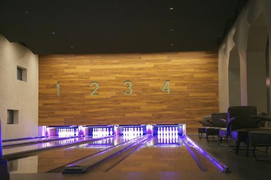 Whirlyball bowling