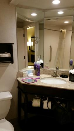 Hampton Inn Peachtree Corners Norcross 3 Sided Mirror Vanity In Bathroom With Shelves Beneath