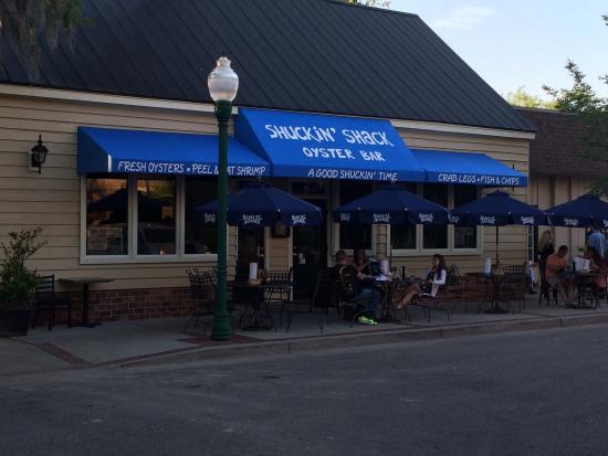 Shuckin' Shack Oyster Bar: Front of Shukin Shack