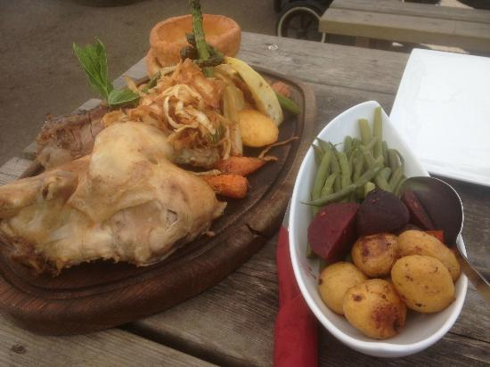 The Castle Inn: the BEST Sunday lunch ever