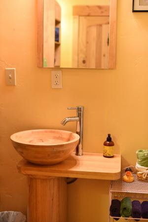 The Cub Inn Bed & Breakfast: Bathroom