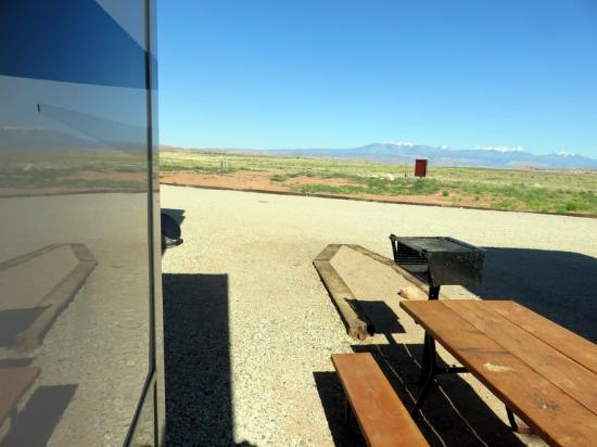 Archview RV Resort & Campground : View from side of site out to mountains
