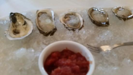 The Jamesport Manor Inn: Oysters