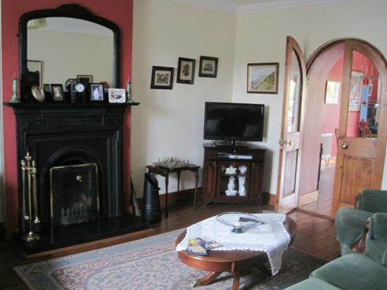 Keldun House: living room