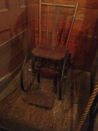 Franklin D. Roosevelt Presidential Library and Museum: FDR's wheelchair