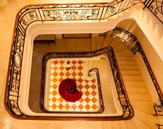 Grand Hotel Tepatitlan: escalera