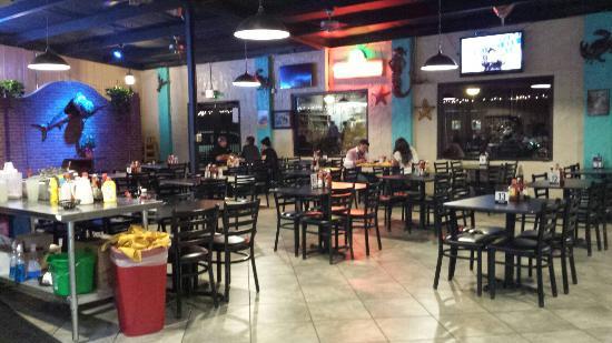 Mariscos El Rincon Bar & Grill