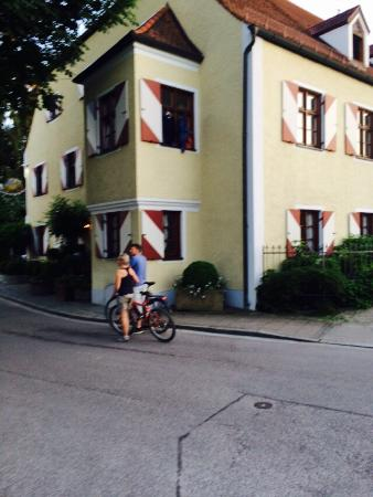 Gasthof Zur Post: The best food, ambience, great customs visit. Every time I visit southern Germany, I always make