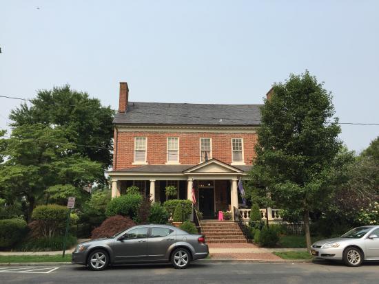 The Kenmore Inn Photo