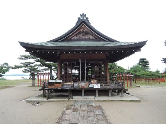 Karasaki Shrine