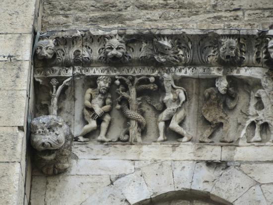 Cathedrale Notre-Dame-Et-Saint-Castor de Nimes
