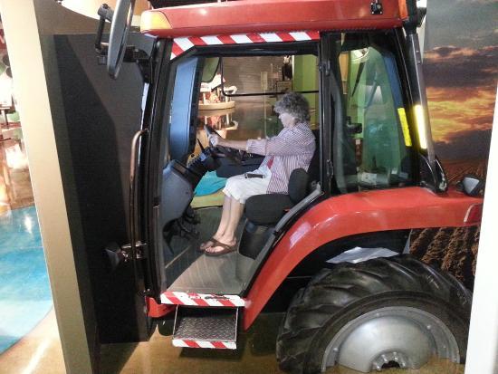 Boardman, OR: Combine driving simulator.  Your skills vs gps steering